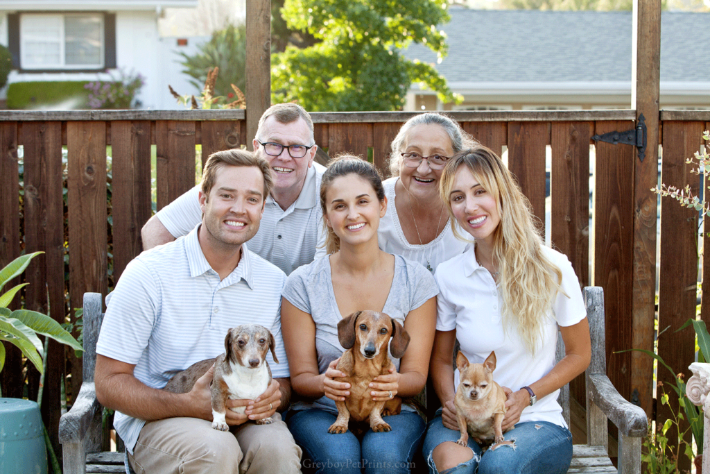 Photo-Family-With-Dogs-OC