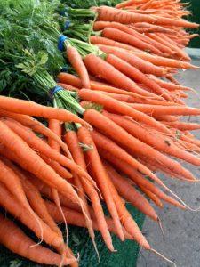 Carrots-Farmers-Market-Orange