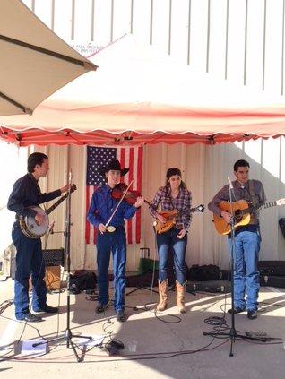 Live-Music-Farmers-Market