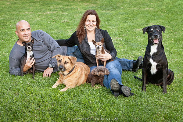 Family-Photo-With-Dogs